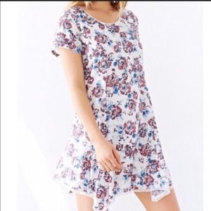 Witchy Tee Floral Flowy Dress Silence + Noise